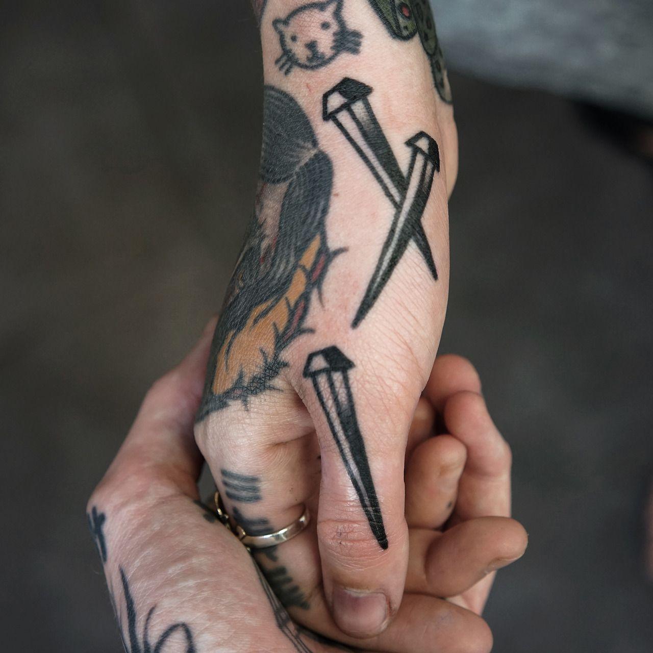 tattoos pinterest traditionelle t towierungen und t towierungen. Black Bedroom Furniture Sets. Home Design Ideas