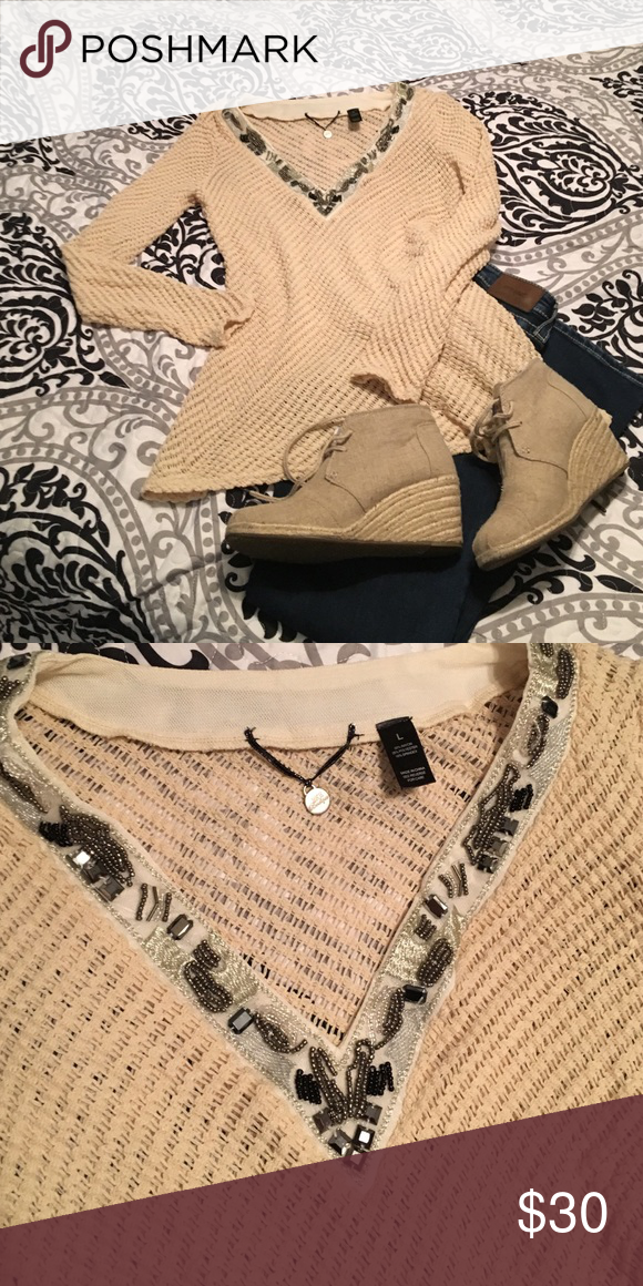 Loose nit sweater Bejeweled neckline. Boutique sweater. Never worn. BKE Sweaters Crew & Scoop Necks
