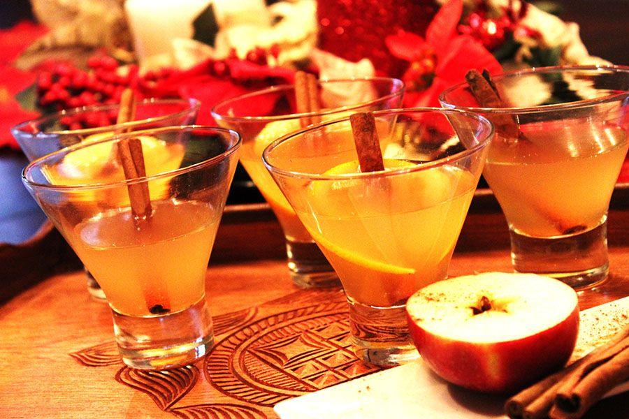 cidre de pomme chaud au rhum recettesduqc boisson alcool boissons alcoolis es pinterest. Black Bedroom Furniture Sets. Home Design Ideas