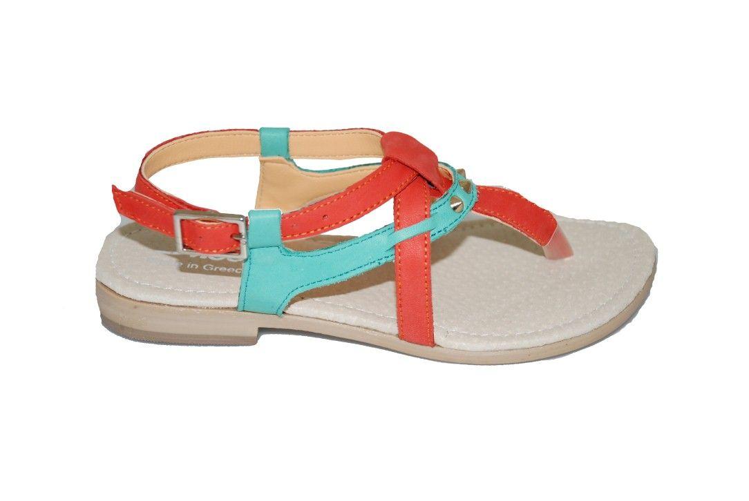 35797d41b75 girls #sandals Πέδιλο Μούγερ δερμάτινο, κοραλλί με τρουκ. http://www ...