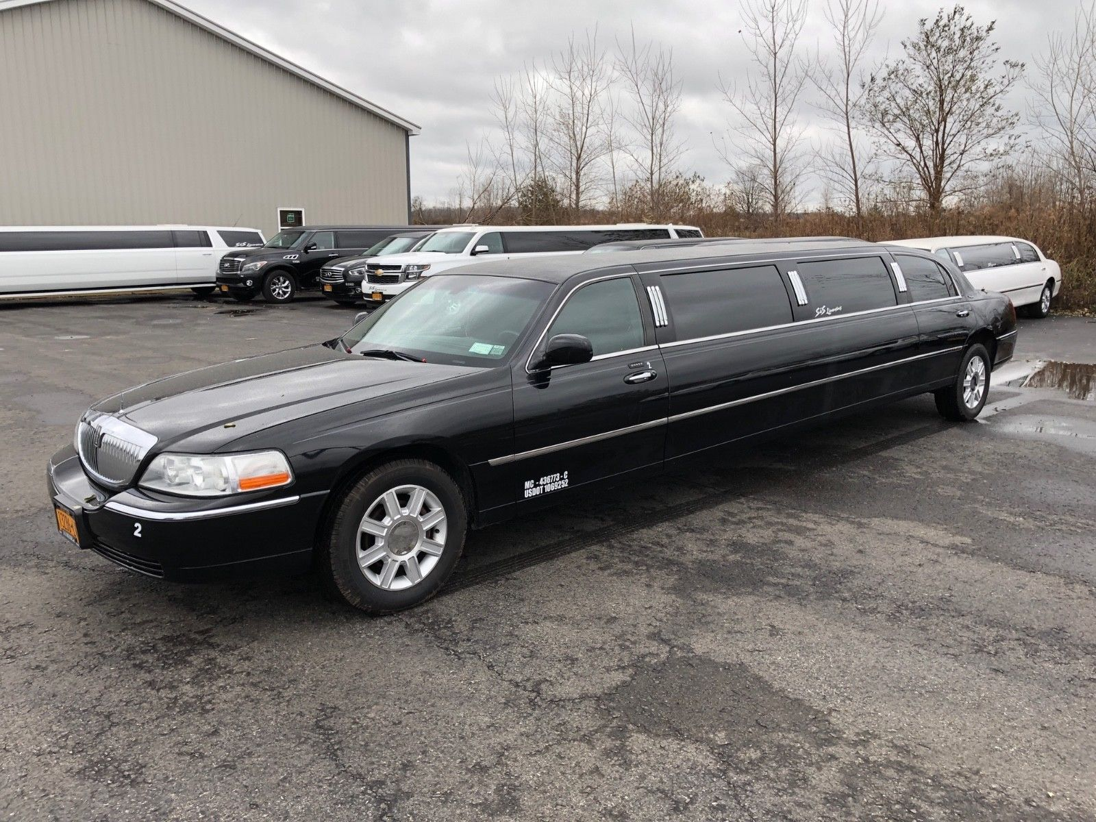 Maintained 2006 Lincoln Town Car Limousine Limousines For Sale