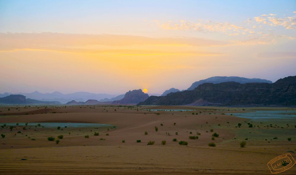 Stunning Sunset in Wadi Rum Jordan — earthXplorer adventure travel video and photography