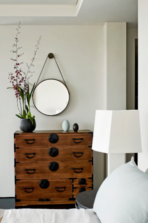 Round Mirror Above Dresser Home Decor Interior Home