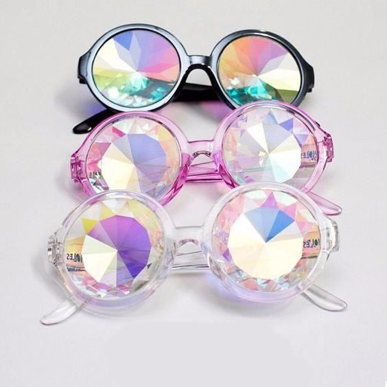 802a6063e6f18 Óculos CALEIDOSCÓPIO – Merat   dressing like   Pinterest   Óculos ...