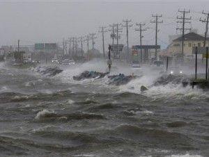 Tormenta tropical Karl pasará al este de las Bermudas