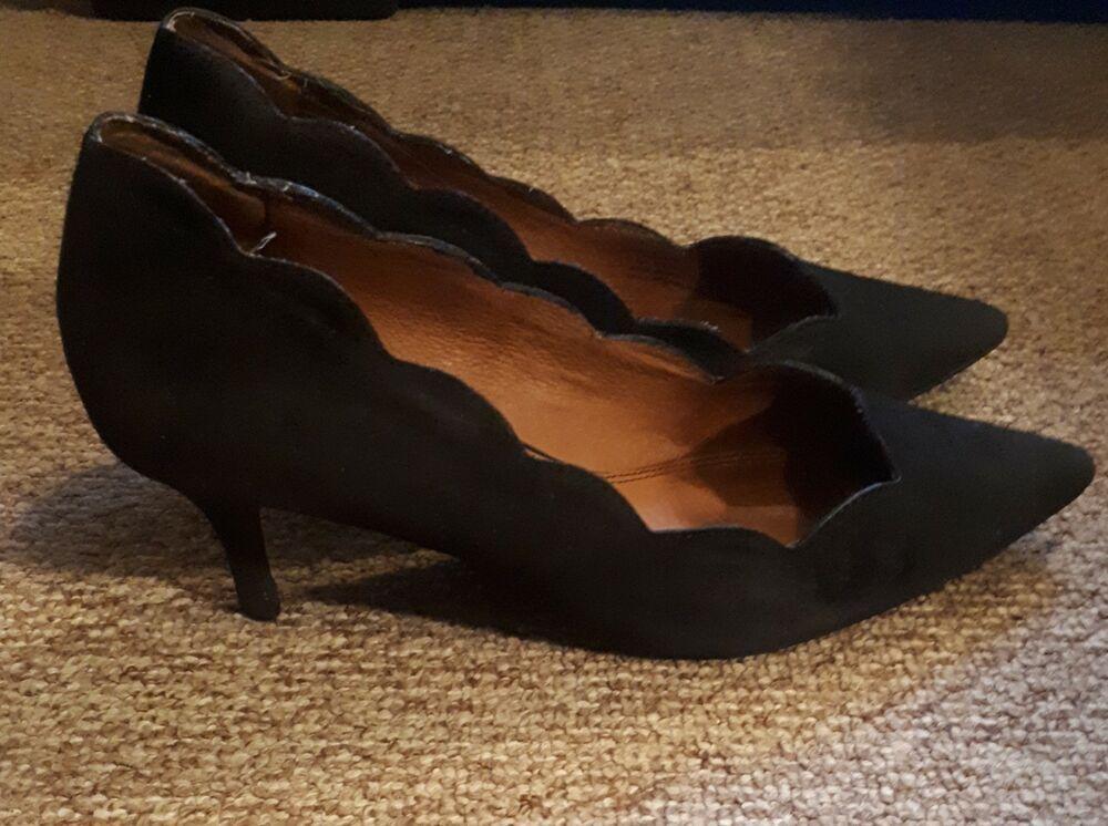 Next Black Scallop Rimmed Kitten Heel Shoes Womens Uk Size 7 Kitten Heel Shoes Kitten Heels Heels