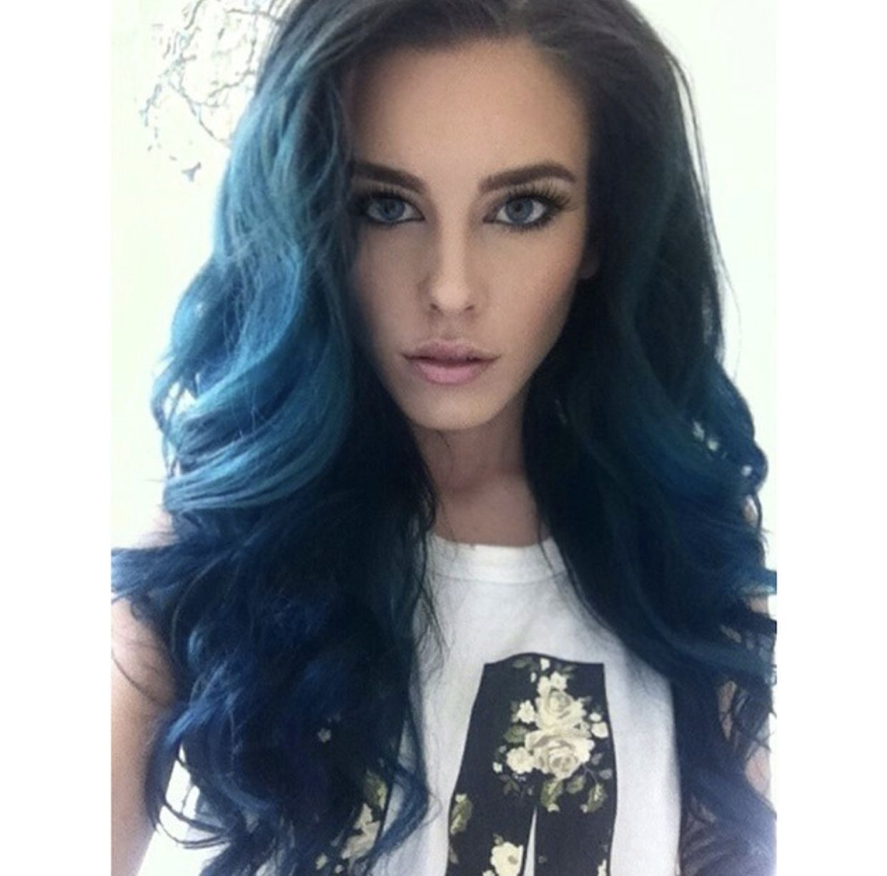 Pin By Mmssyy On Fashion Blue Hair Hair Styles Hair Inspiration