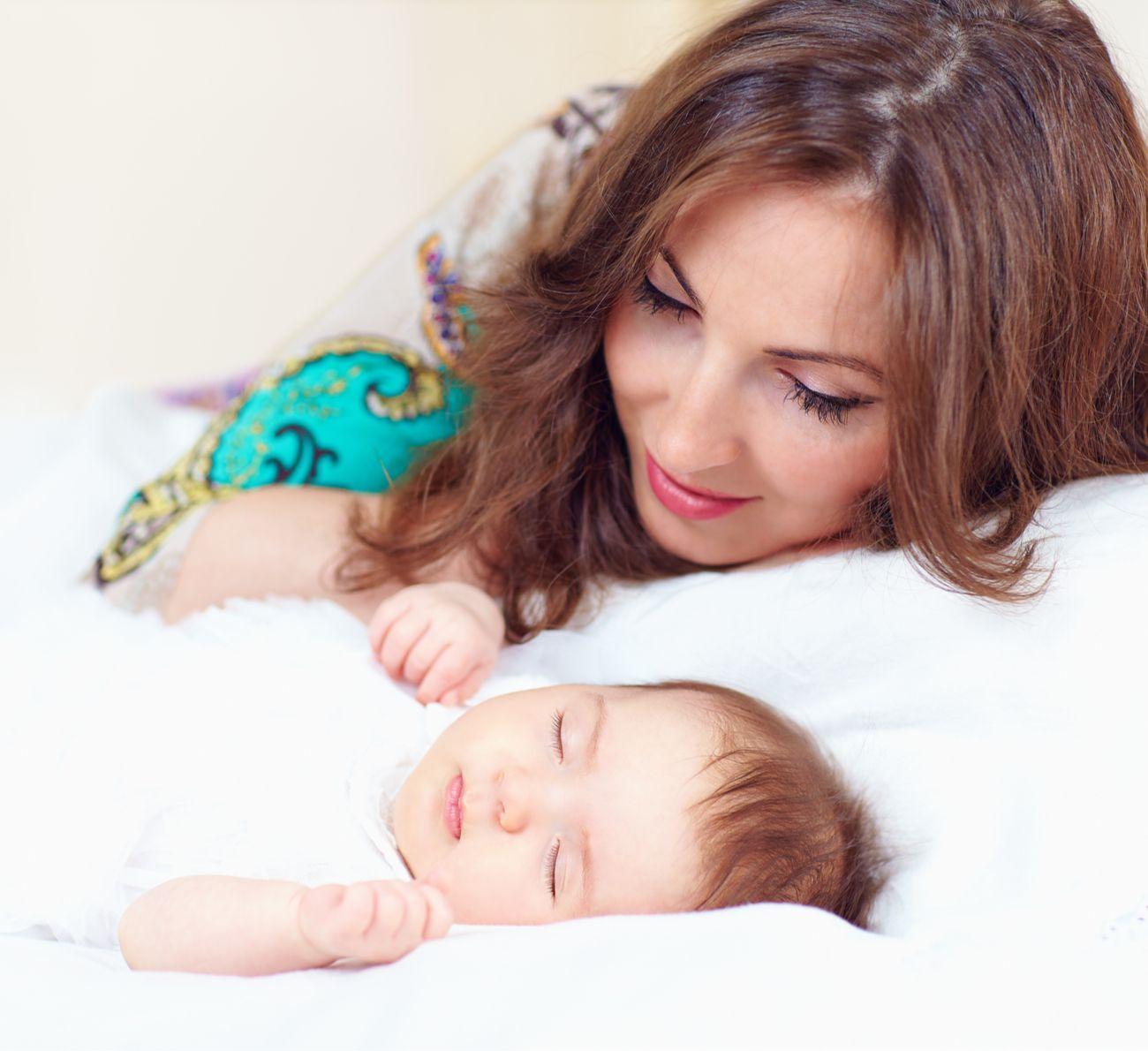 Como Fazer O Bebe Dormir A Noite Inteira Sem Deixa Lo Chorando Bebes Dormindo Como Fazer Bebe Dormir Crianca Dormindo