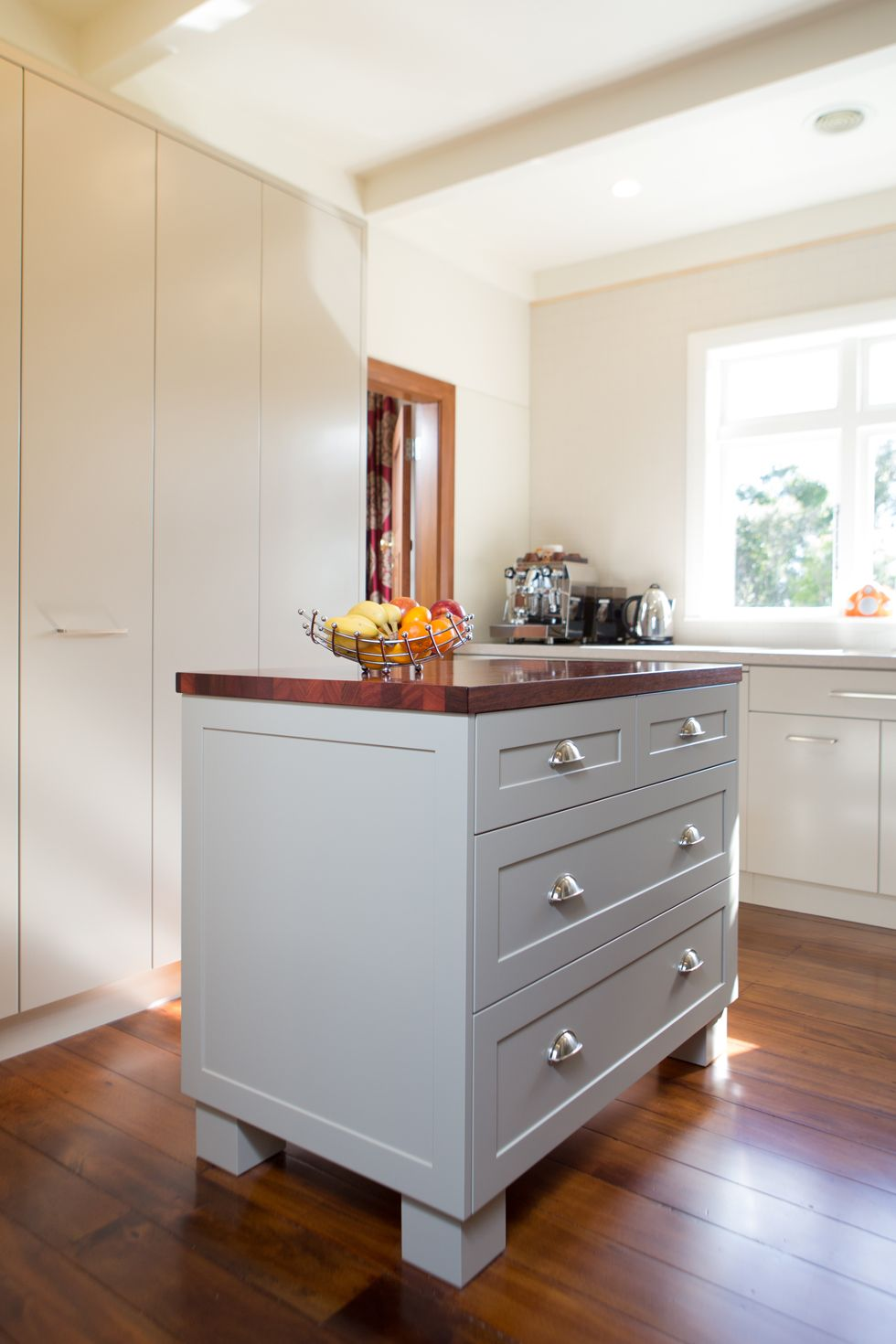 Kitchen 530 by Sally Steer Design, Wellington. New Zealand. Cup pull ...