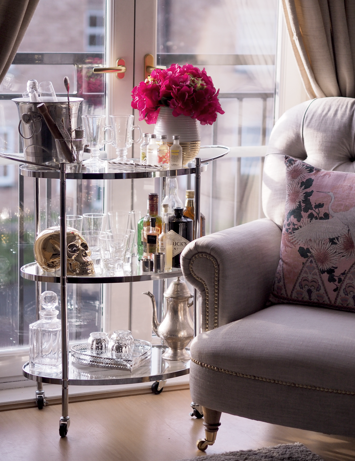 Apartment Number 4 takes a look a how to style a bar cart, highlighting the five essentials every drinks trolley needs.