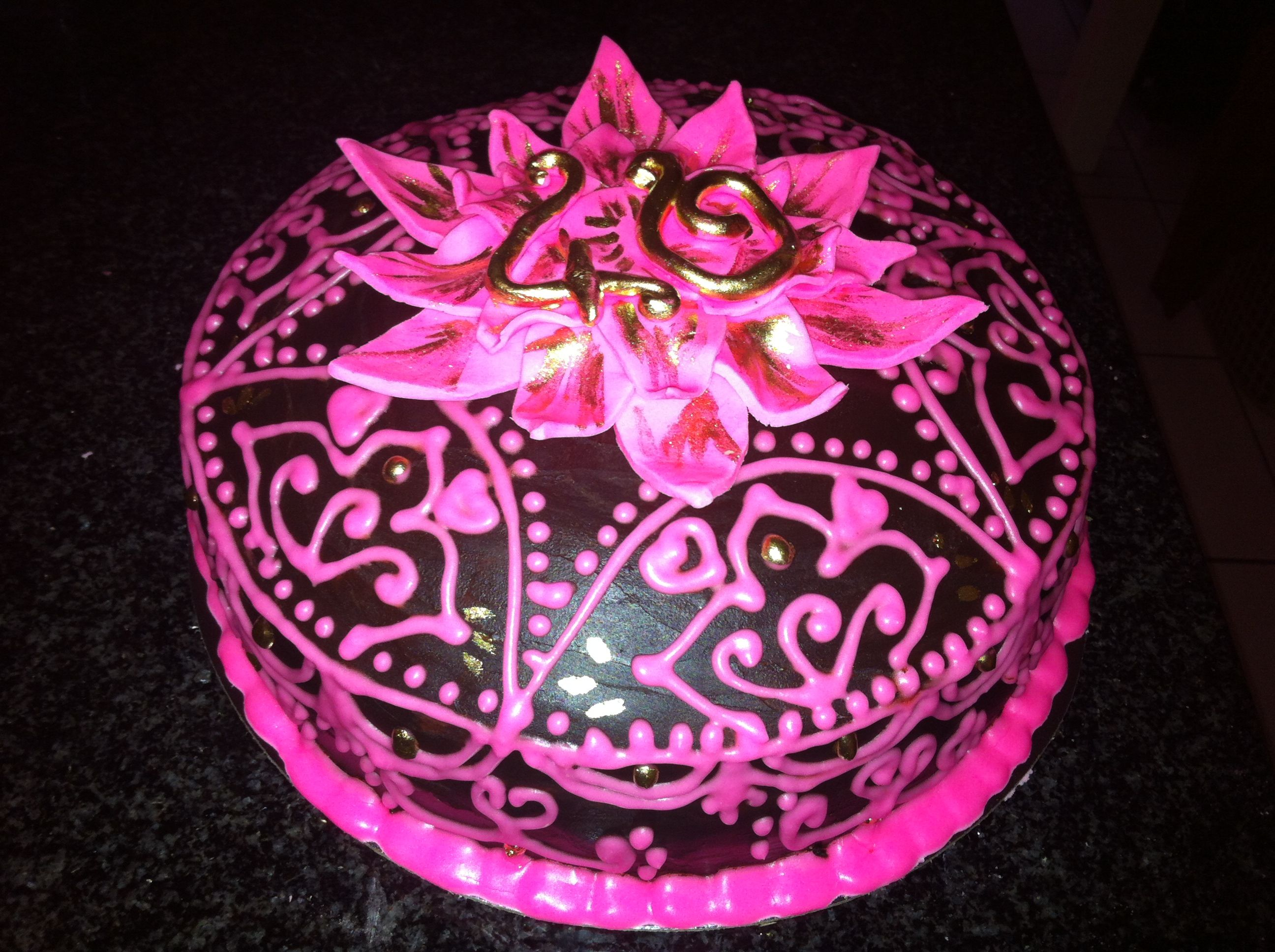 40th birthday cake for a very special friend who loves