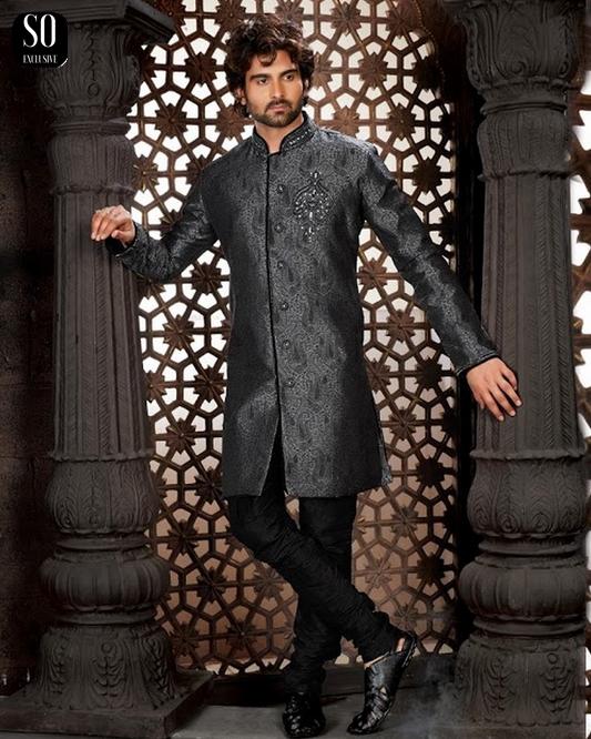 sherwani numair tunique grise avec pantalon noir tenue indienne homme v tement indien. Black Bedroom Furniture Sets. Home Design Ideas