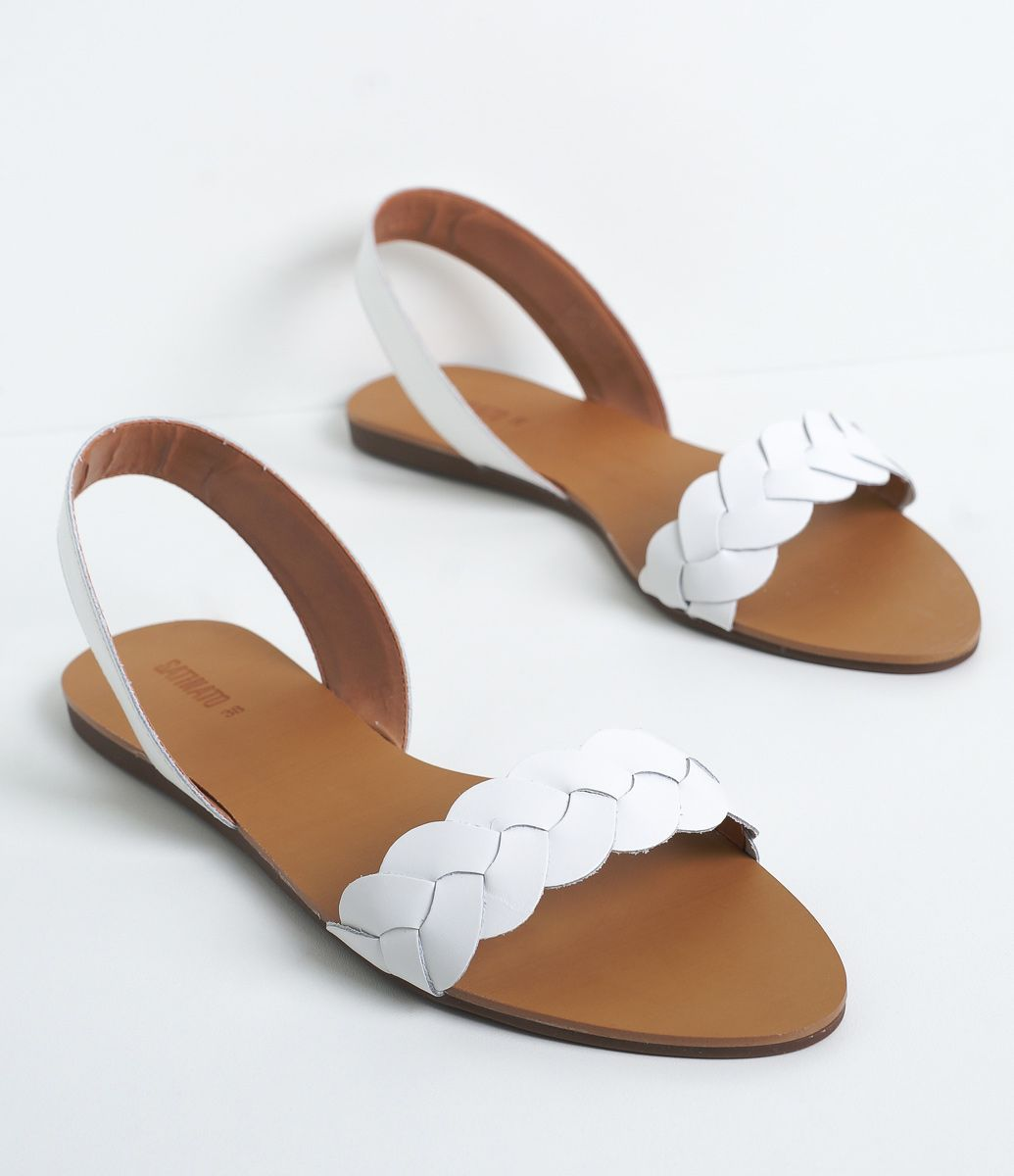 94c5bffd58 Sandália feminina Material  couro Rasteira Trançada Marca  Satinato COLEÇÃO  VERÃO 2017 Veja outras opções de sandálias femininas.