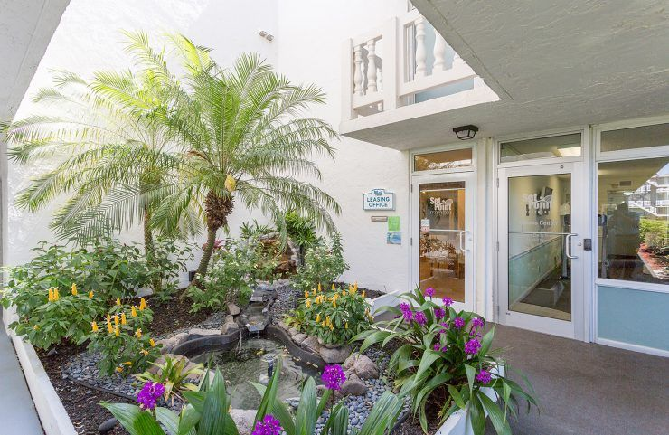 Leasing Office Entrance Fort Lauderdale Apartments Fort Lauderdale Fl Outdoor Pool