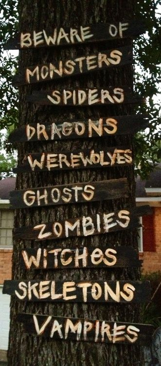 Yard Decor would be so easy, cheap and effective Halloween