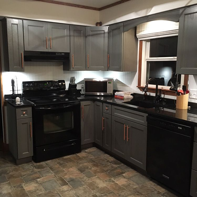 Best Midtown Gray Assembled Kitchen Cabinets Have A Finished 400 x 300