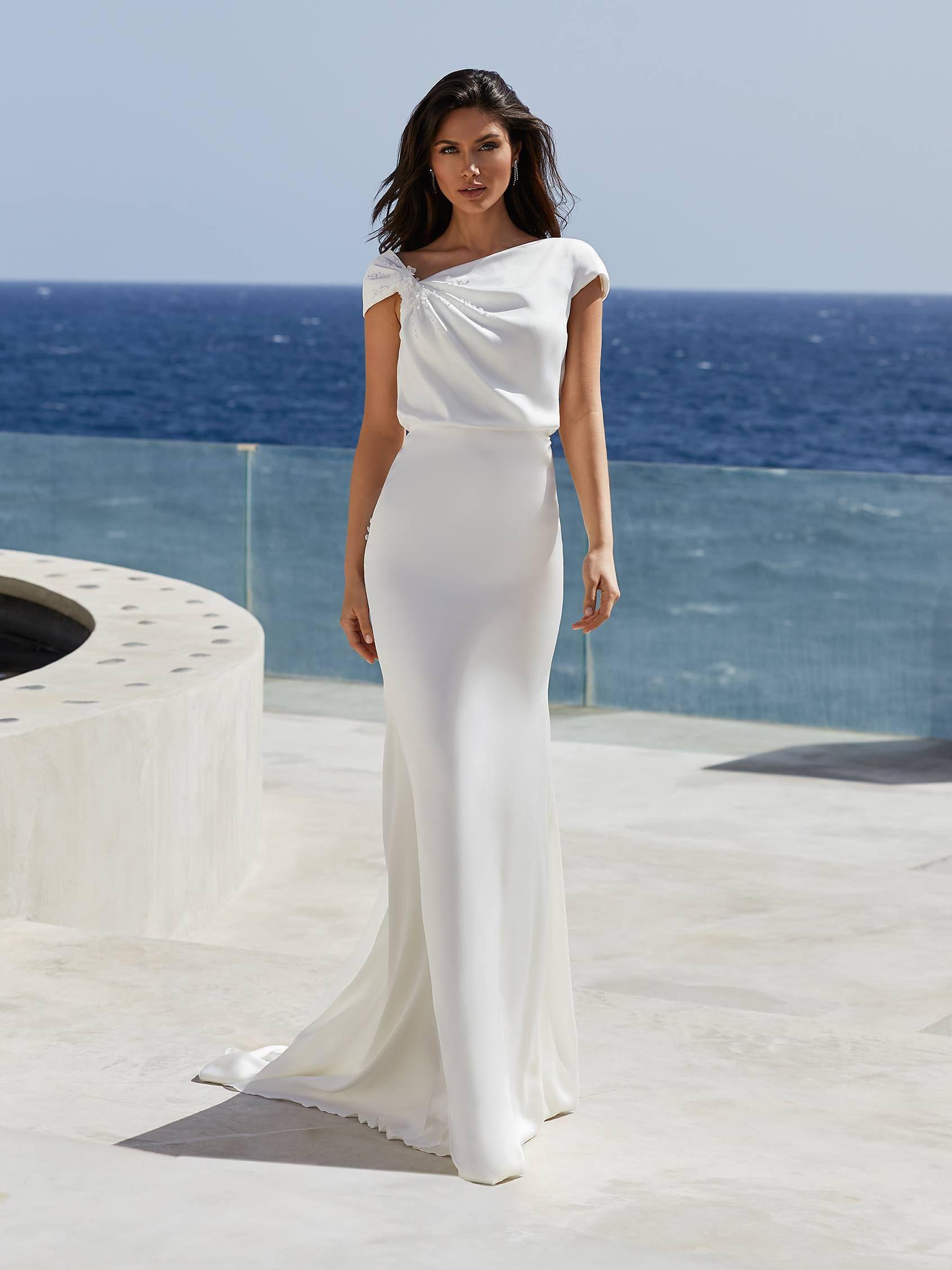Mermaid Wedding Dress With Asymmetrical Neckline In 2020 Chic Wedding Gown Pronovias Wedding Dress Dresses [ 2255 x 1691 Pixel ]