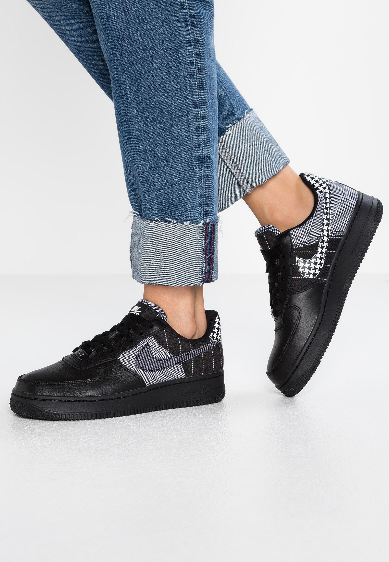 3d4c4494ee AIR FORCE 1 - Trainers - black/white in 2018 | wardobe | Pinterest ...