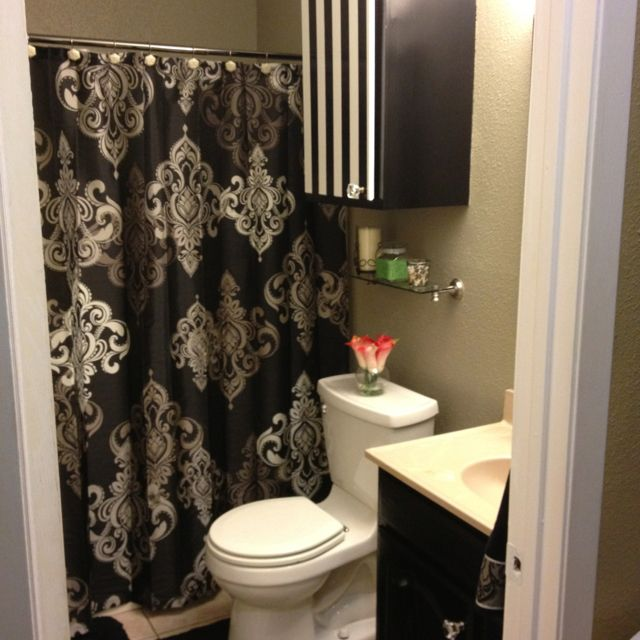 Merveilleux Black Damask Bathroom