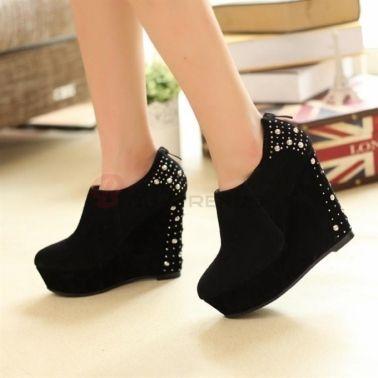 Women's Suede Rivet Decorated Back Zipper Wedge Heel Shoes Black