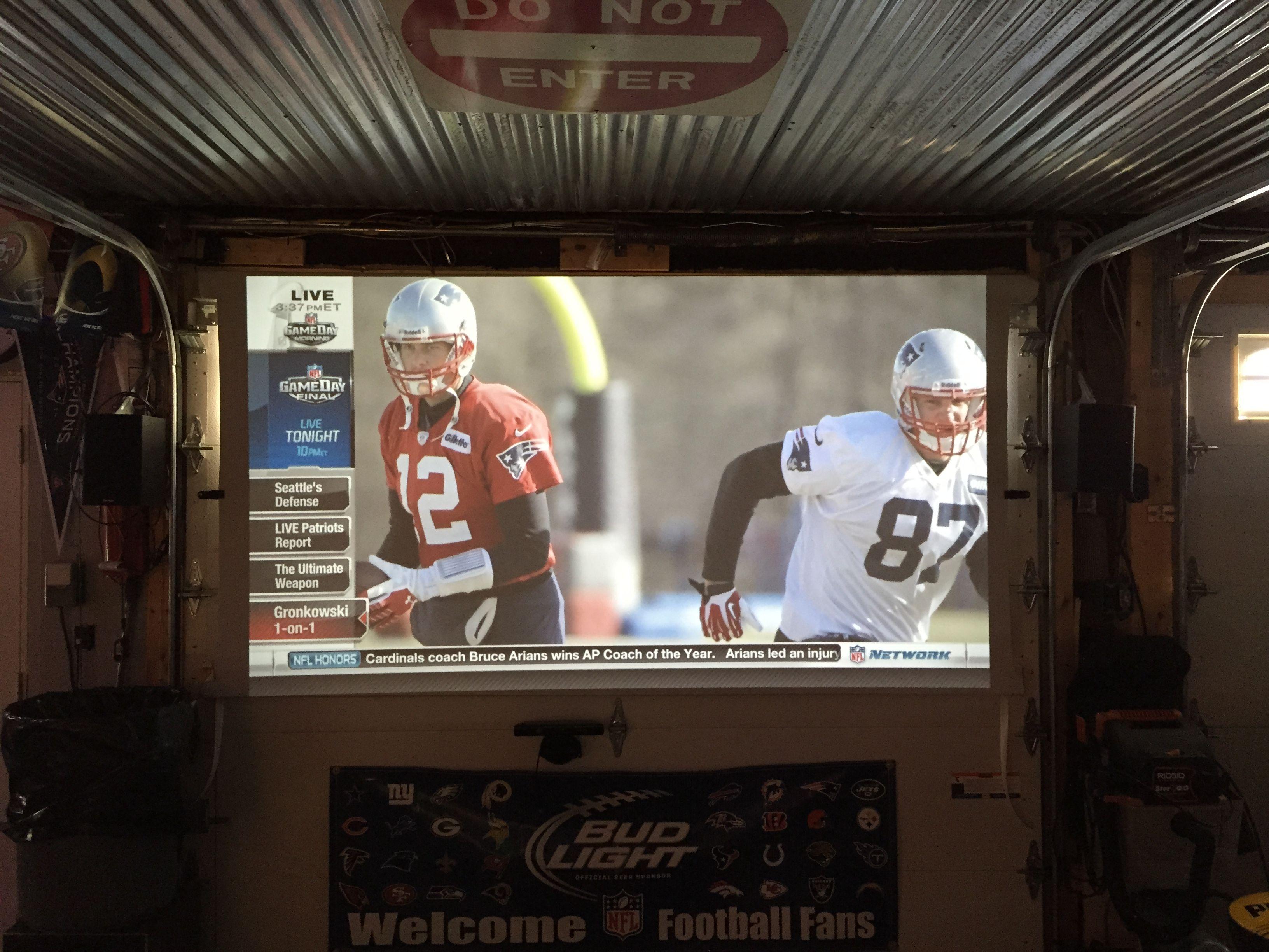 110 Quot Projector Screen In Garage Mancave Mancave Bar