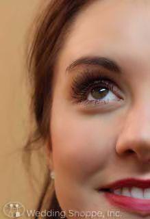 My Wedding Chat: Do it Yourself Wedding Makeup: Applying False Eyelashes