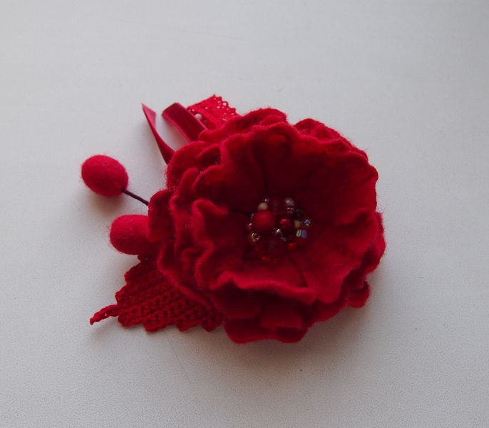 Red Felted brooch- flower red -Flower brooch from YuliasFeltworld by DaWanda.com