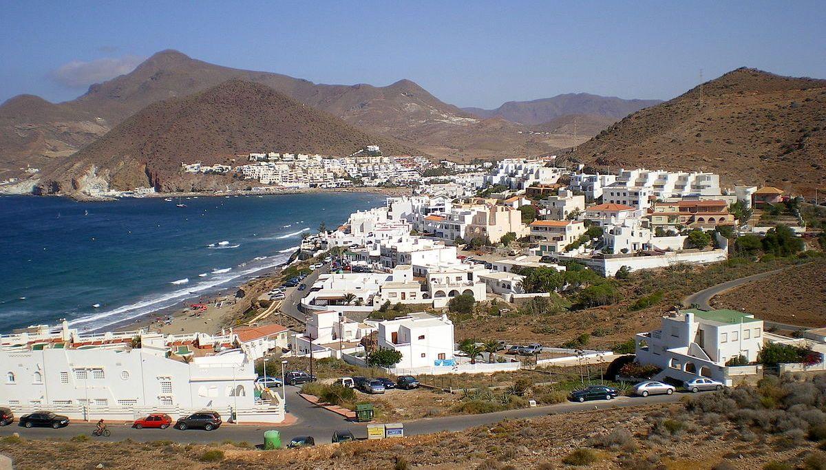 Visita San José Un Pueblo Cono Encanto En Almería Que Destaca Por Su Aspecto Pintoresco Y Natural Sin Agobios Y San Jose Almeria Viajar Por España Andalucía