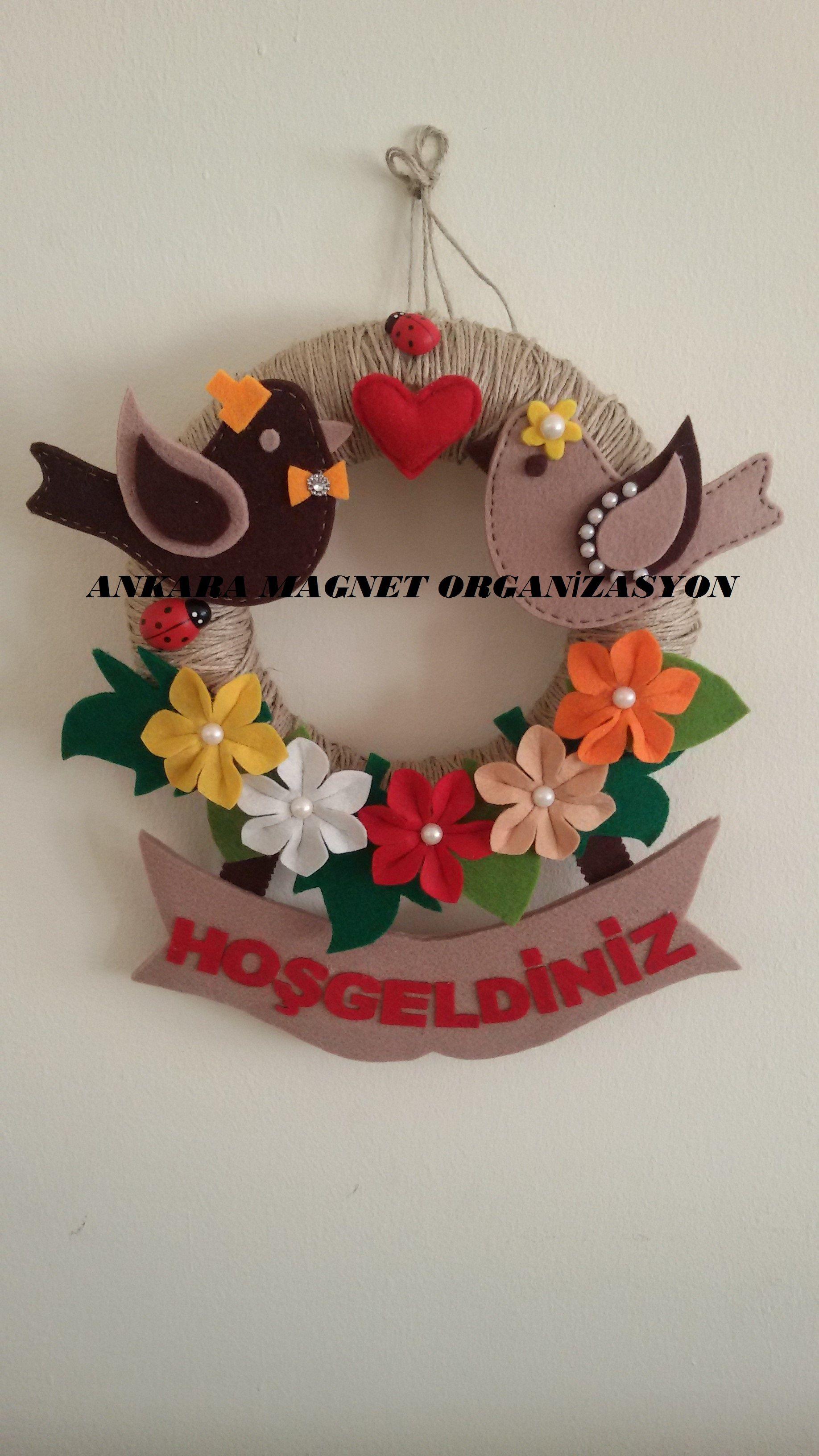 keçe çiçek ve sevgi kuşları kapı süsümüz...