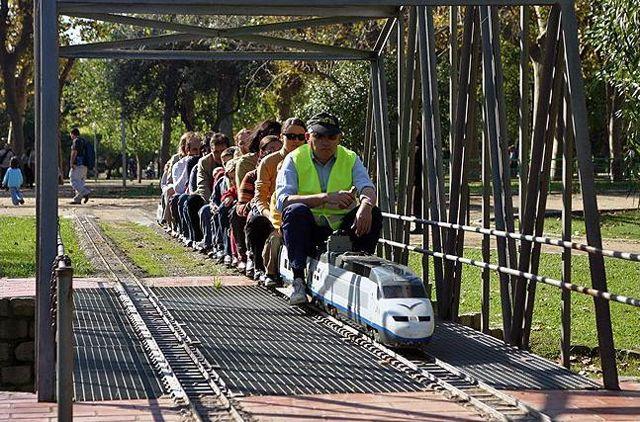 Los Mejores Parques Con Trenes Para Ir Con Niños Parques Parques Infantiles Viajes