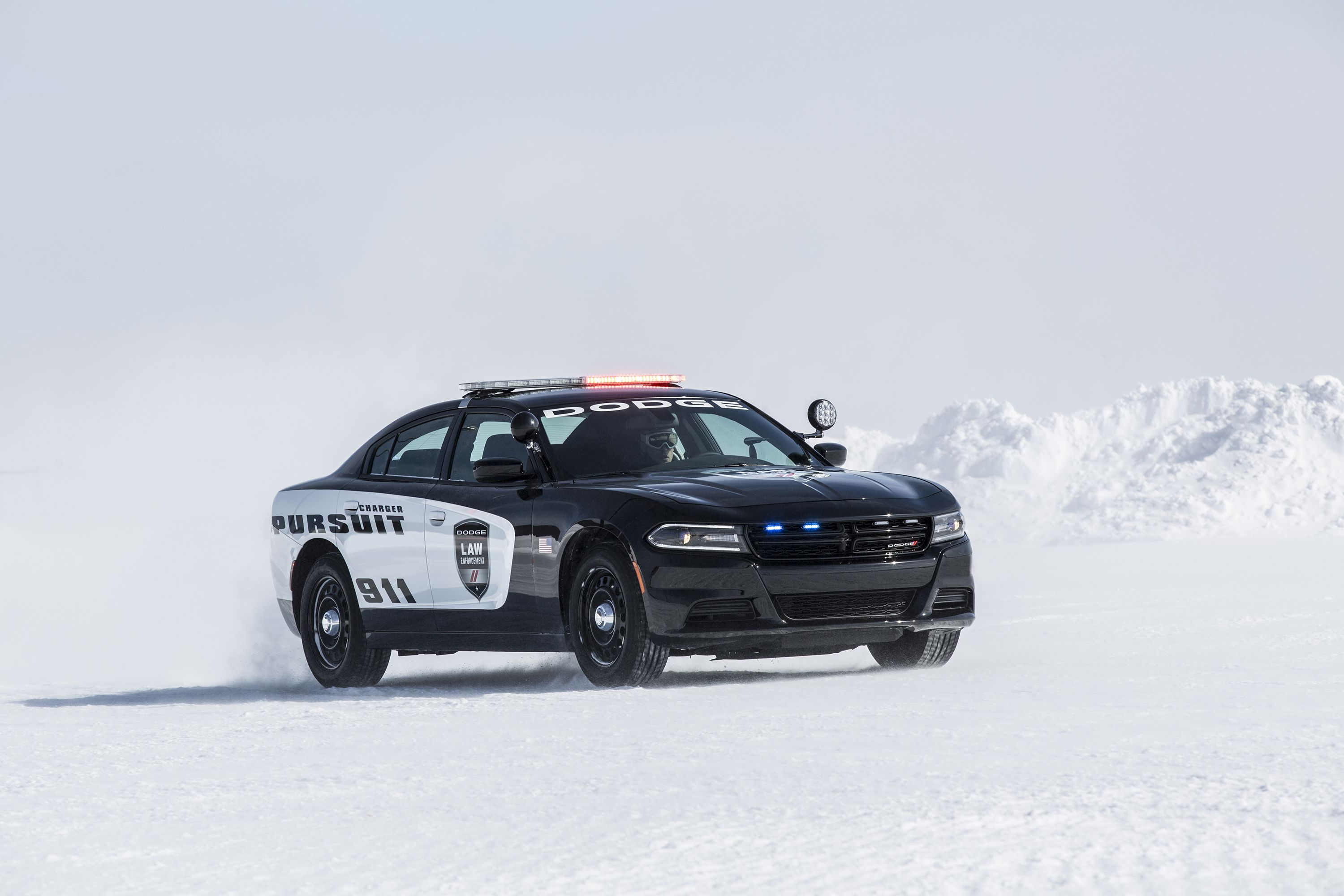 2017 dodge charger police pursuit in the snow dodge