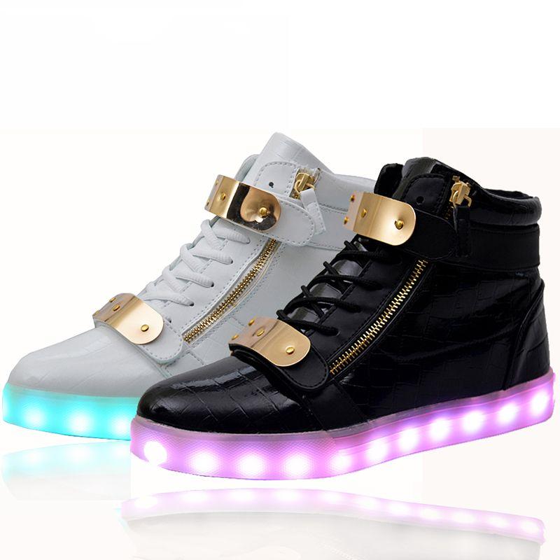 ccf944a7519 Barato Atacado baratos luzes up led luminosos sapatos casuais alta brilhante  com simula ccedil  atilde o de carga  uacute nico para as mulheres  amp  ...