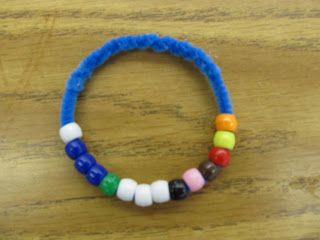 Modify From Thanksgiving Story Bracelet To Christmas Or Easter Prompting Card Goes Home With Kids Cute Idea For Children Retelling