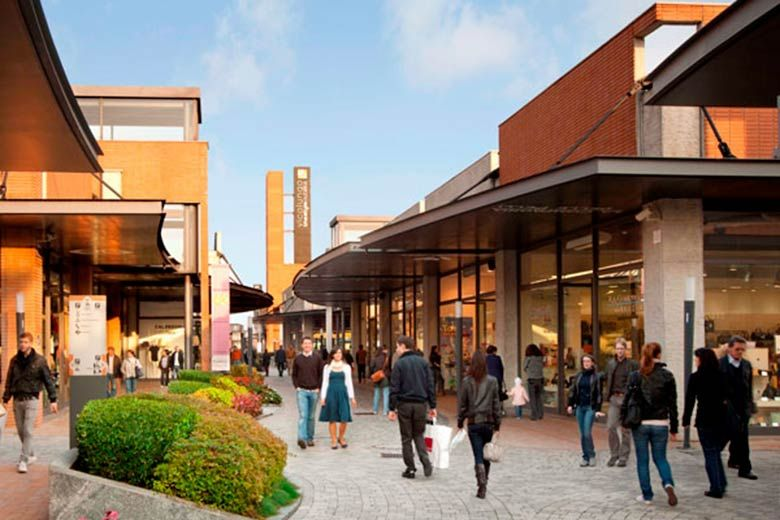 Milaan Designer Outlet Vicolungo Street View Views Outlet Mall