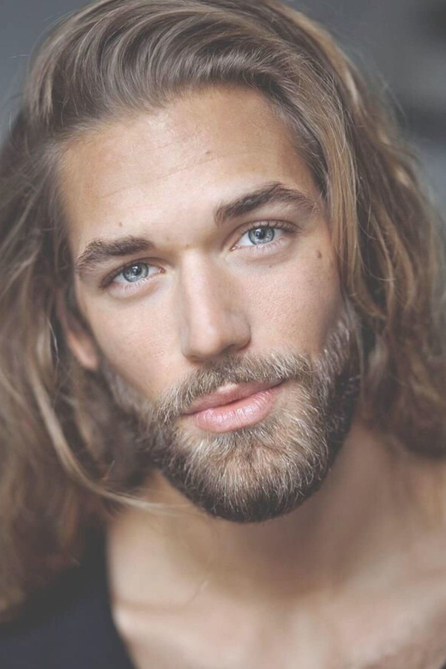 Men Love To Try Out New Hairstyles To Check Out Which Suits Them The Best They Even Follow The Male Models With Lo Mens Hairstyles Beard Life Haircuts For Men
