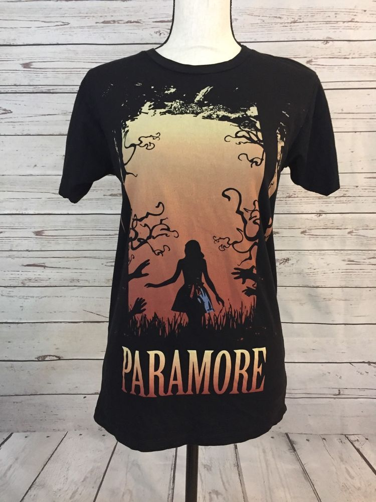 PARAMORE Band T-Shirt Medium Girl In Forest Hayley Williams