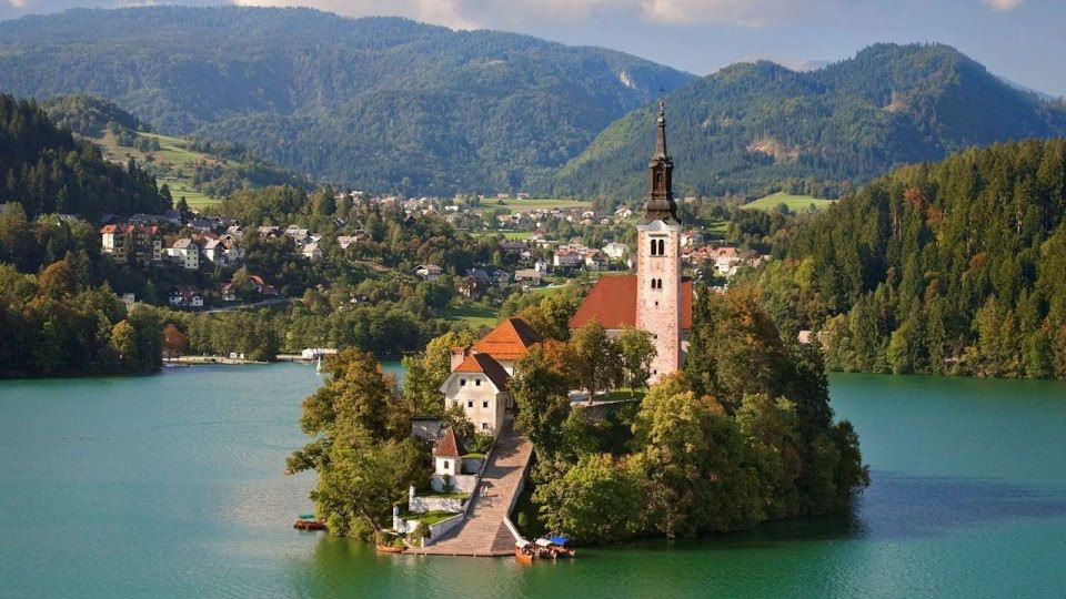 The 30 Most Beautiful Small Towns In The World 2 Is An Amazing Secret Bled Slovenia