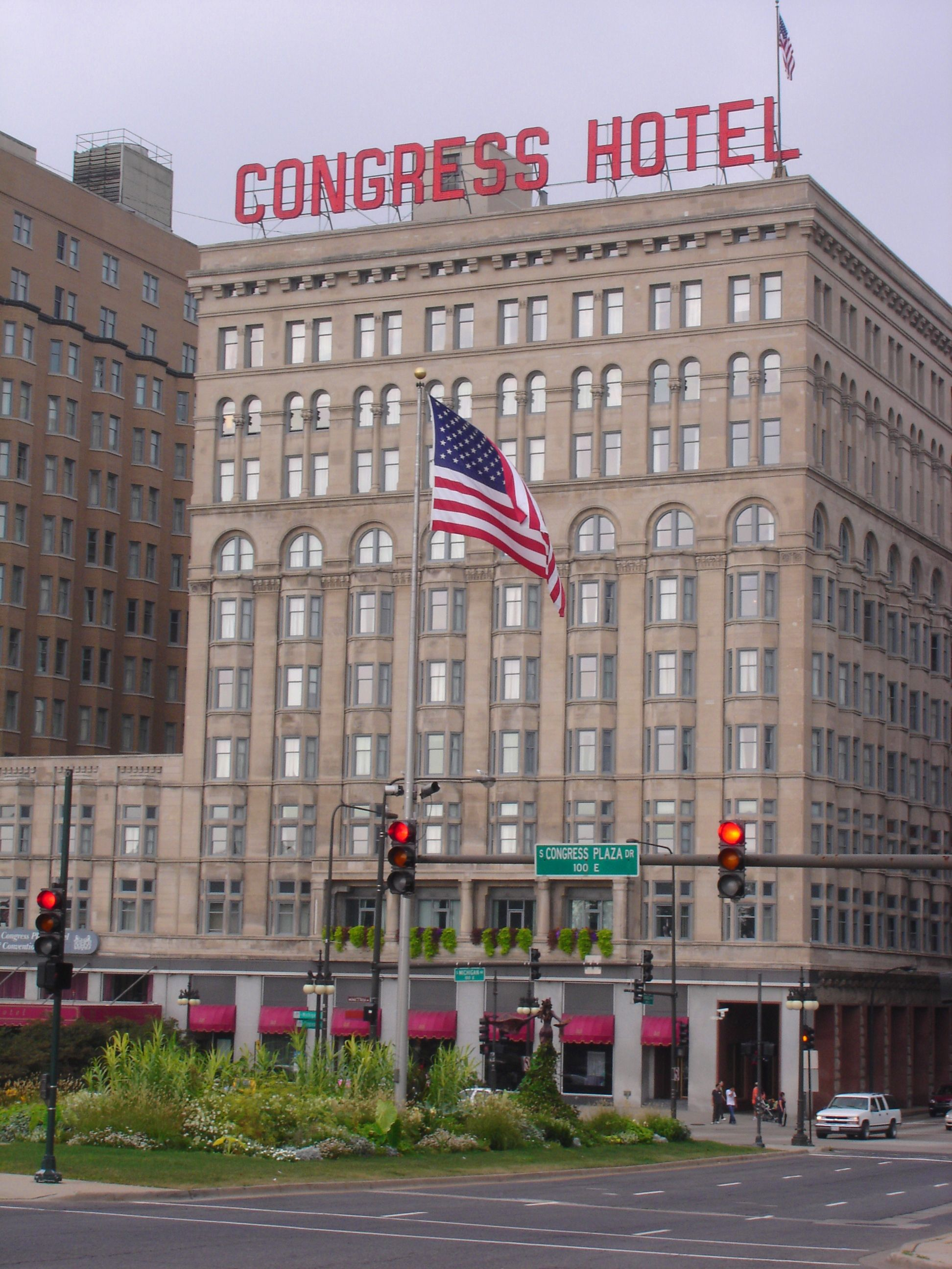 Stay the night in a Haunted Hotel - The Congress Hotel in Chicago ...