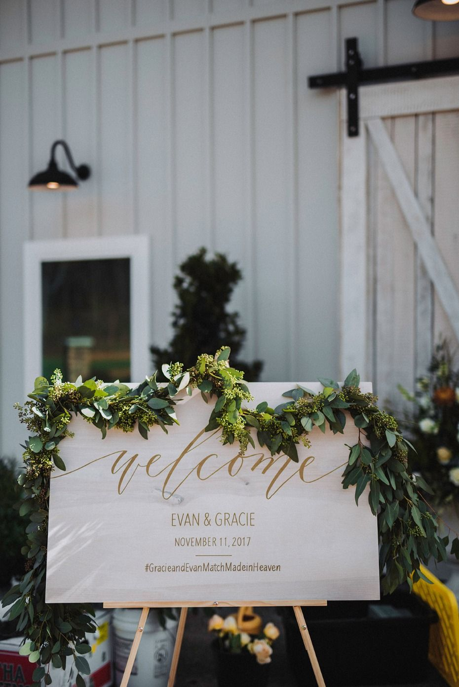 Wedding decorations with flowers november 2018 How To Have A Beautiful Fall Wedding With A Pop Of Yellow  Wedding