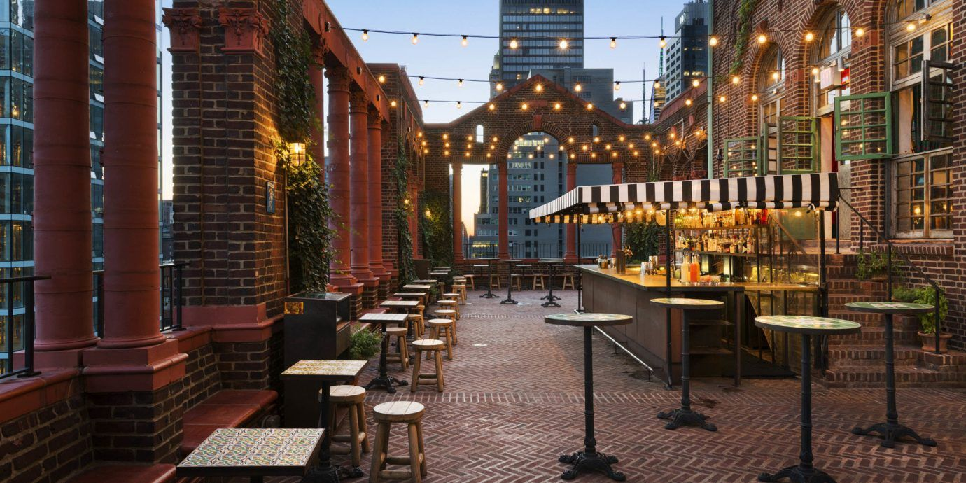 10 Budget Hotels In Nyc That Don T Skimp On Style Jetsetter Rooftop Bars Nyc Best Rooftop Bars Affordable Nyc Hotels