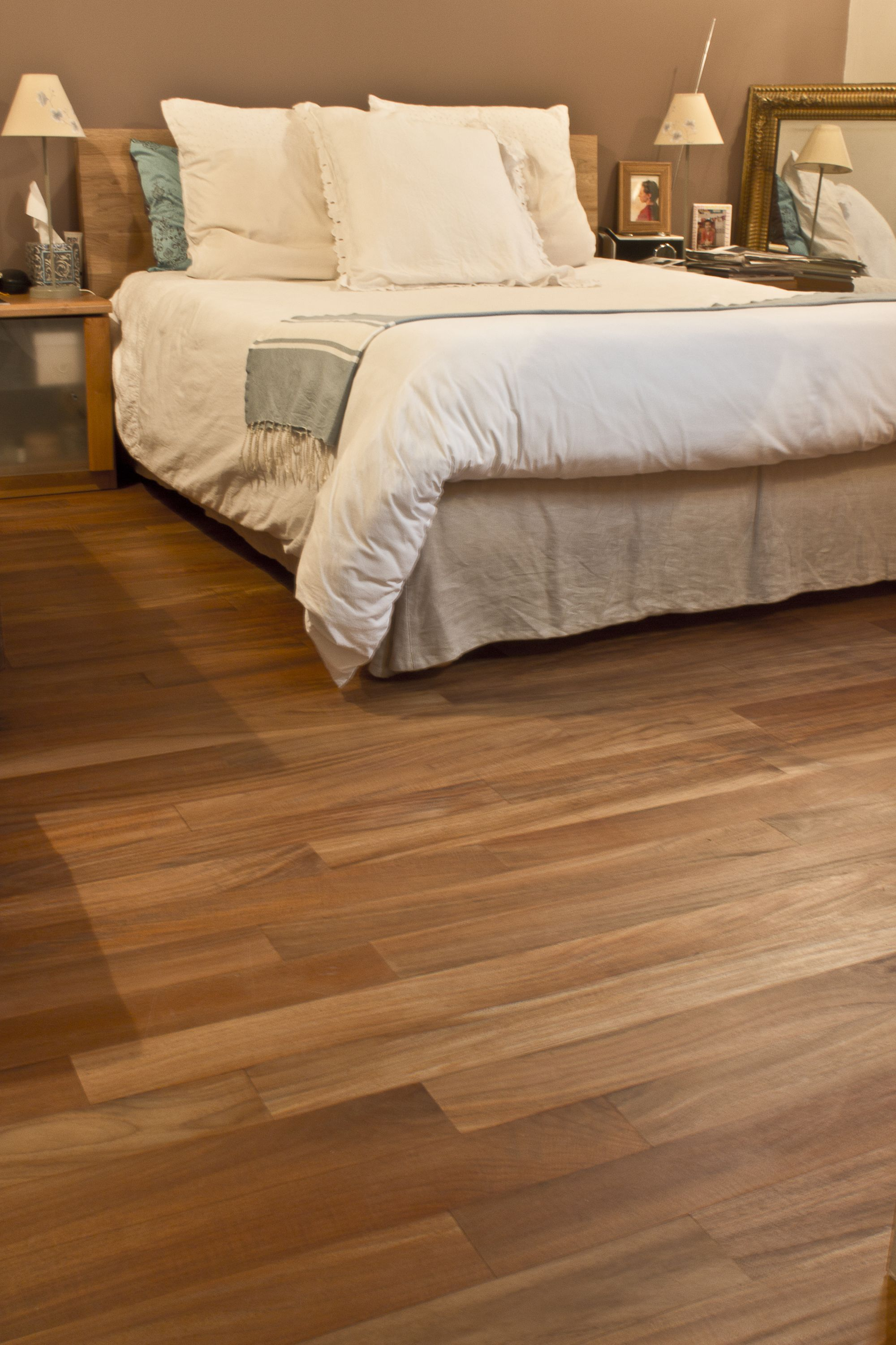 le teck un parquet exotique pour une d co cosy a. Black Bedroom Furniture Sets. Home Design Ideas