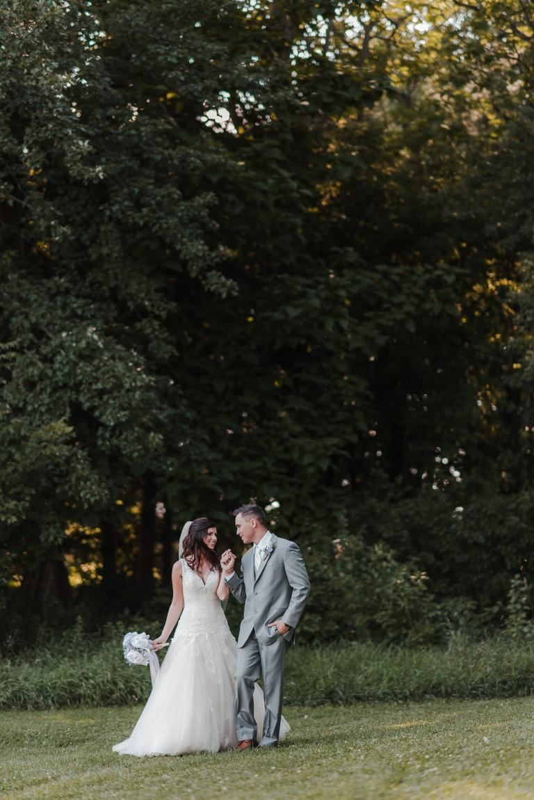 Wisconsin Wedding Photographer - Outdoor Weddings