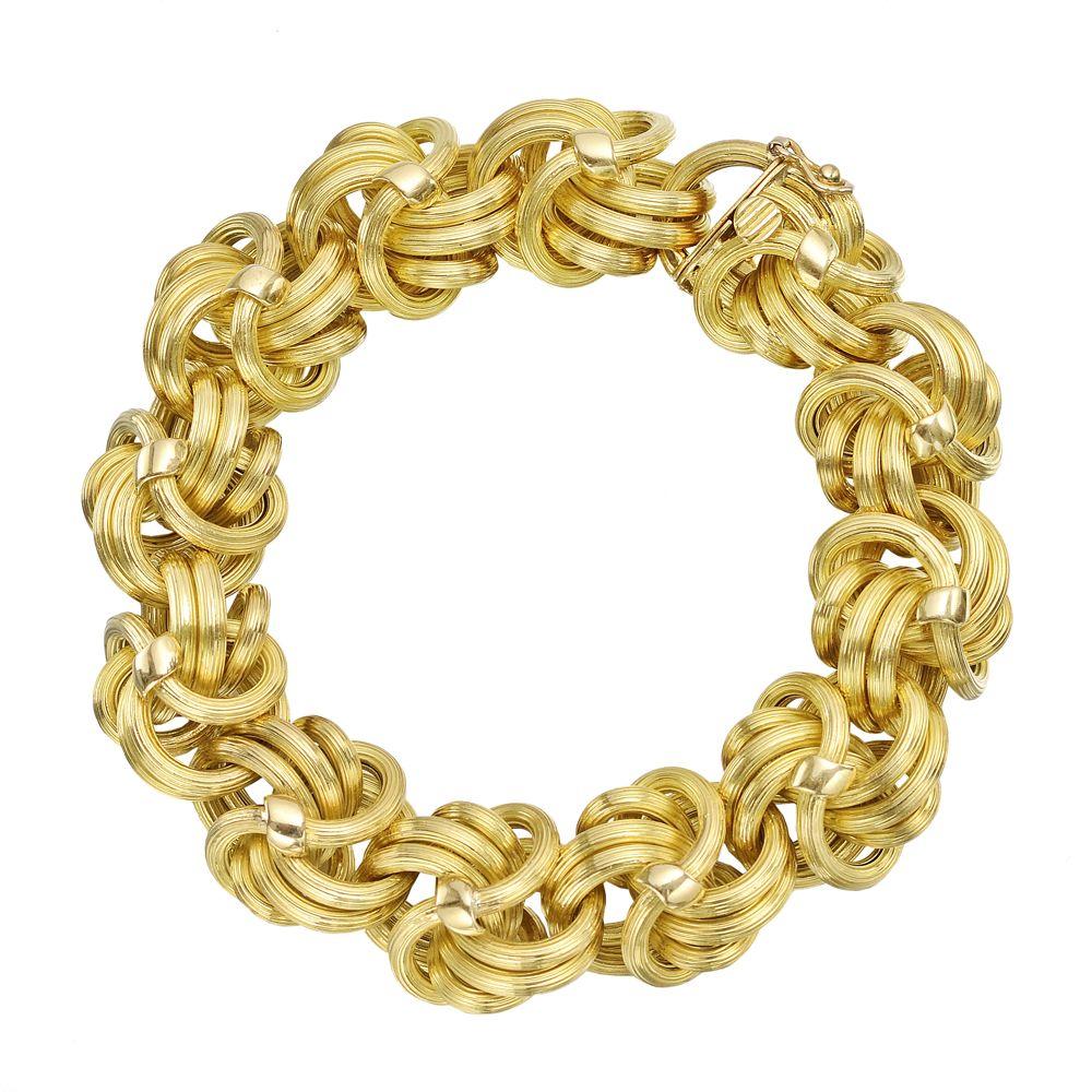 Tiffany & Co  18k Gold Fancy Knot Link Bracelet  Yes please | Love