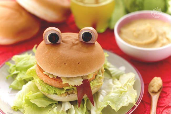 Bambini Simpatici ~ L hamburger ranocchia è un simpatico burger a forma di ranocchio