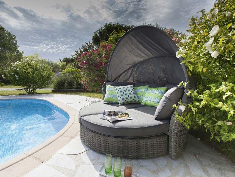 Canapé recouvert pour jardin | Salon de jardin | Pinterest ...