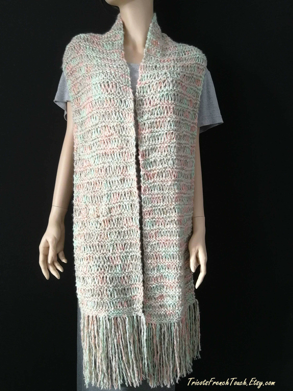 9437e53aed0 écharpe femme couvre épaule laine cadeau femme écharpe laine beige lurex  doré Accessoire mode hiver laine pour femme Tricots FrenchTouch