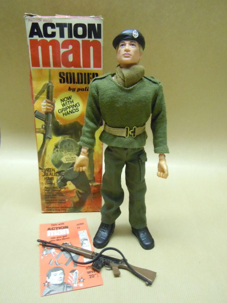 1975 ACTION MAN Soldier With 2nd Issue Black Plastic Beret