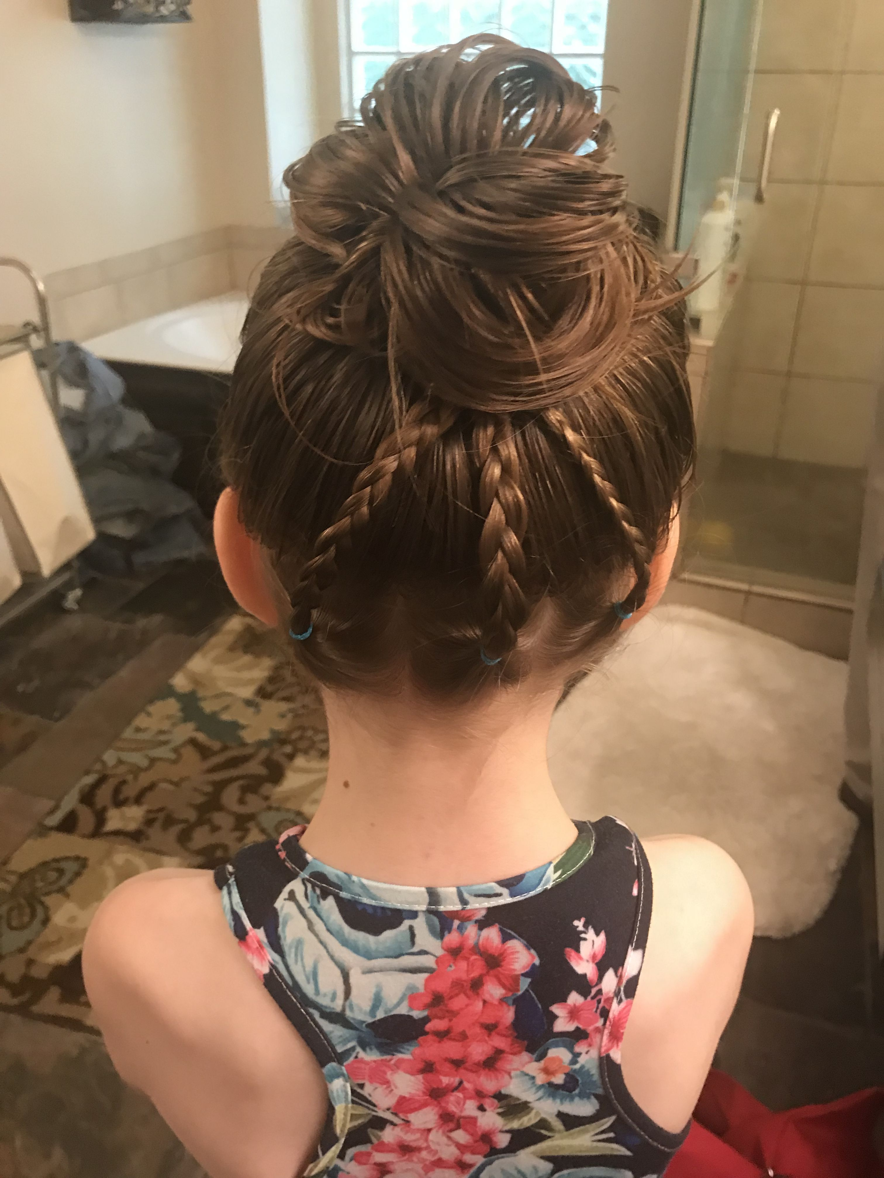 Easy Little Girl Hairstyle Bun With Braids Kids Hairstyles Girls Hairstyles Easy Little Girl Hairstyles