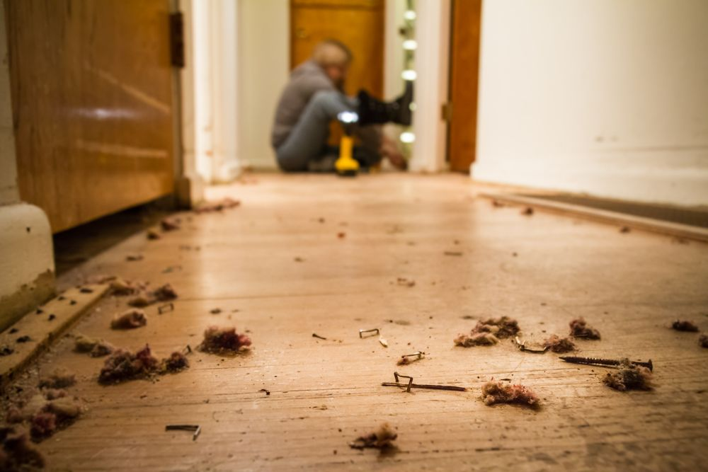 How to remove carpet tacks and staples from hardwood