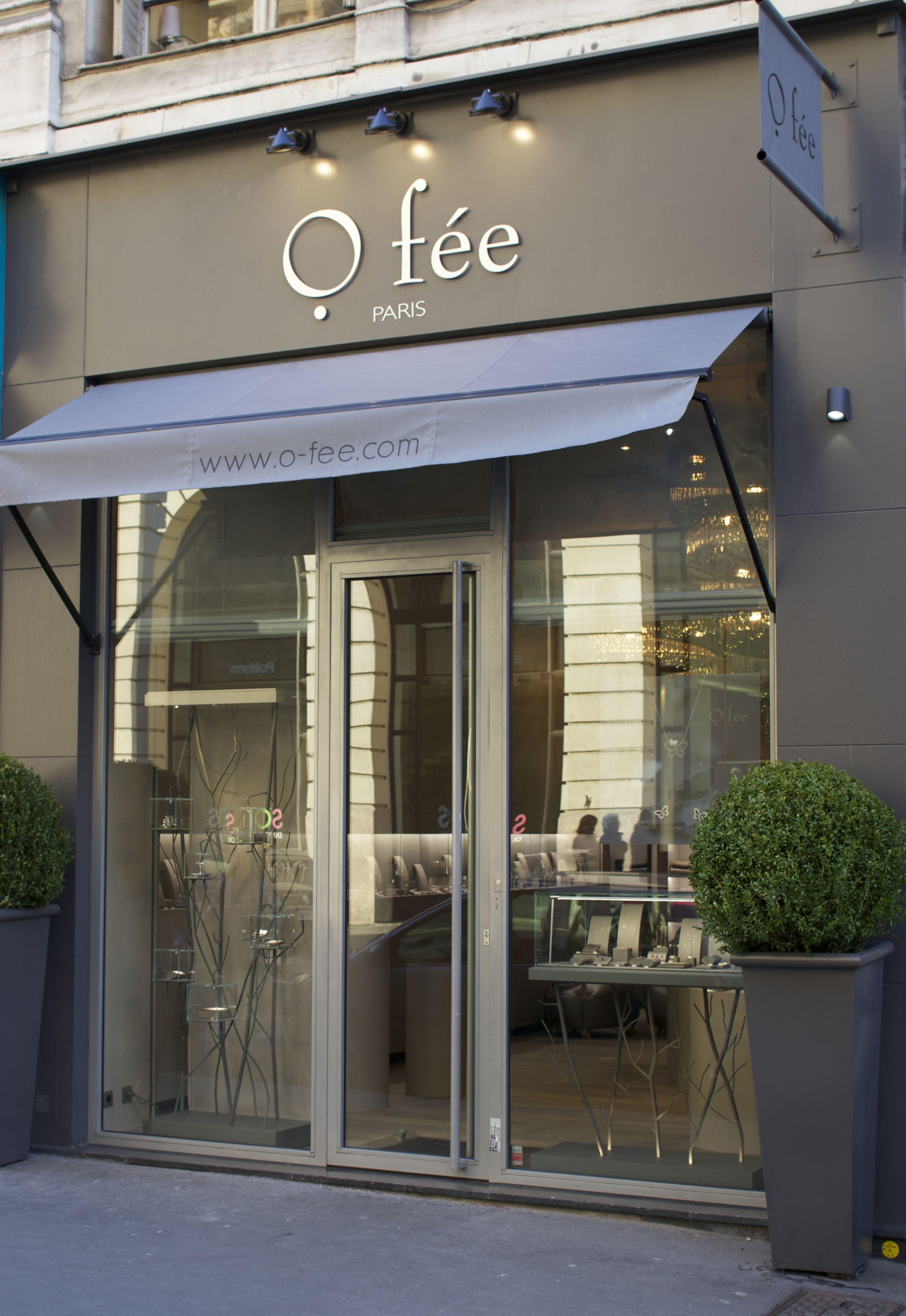 Les Ombres Restaurant at Musee de Quai Branly offers romantic